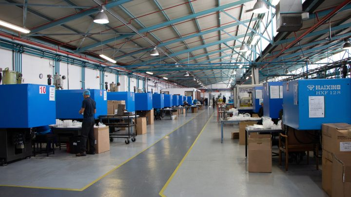 How Injection Moulding Outsourcing and Its Benefits Can Grow Your